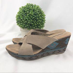 Minnetonka Kylie leather sandals wedges boho